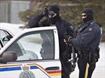 Hai cảnh sát Canada bị bắn trọng thương