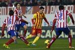 Atletico lại gục ngã trước Barca