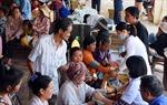 Khám bệnh miễn phí cho bà con Việt kiều và người nghèo tại Phnom Penh