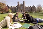 Sinh viên tại Anh đạt con số kỷ lục