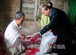 Phó Thủ tướng Nguyễn Xuân Phúc thăm, tặng quà tại Thừa Thiên - Huế