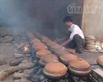 Cá kho Đại Hoàng, bánh chưng làng Đầm rộn ràng trước Tết