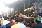 Hàng vạn người trảy hội về đất Phật
