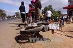 Vượt ẩu xe máy đâm thẳng xe tải, hai người chết tại chỗ