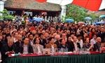 Thơ Việt đẹp trong mắt bạn bè quốc tế