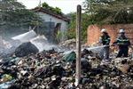 'Bà hỏa' thăm vựa phế liệu, cả khu dân cư hốt hoảng