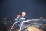 Bến Tre: Cháy rụi nhà kho chỉ xơ dừa rộng 500 m2