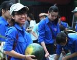 Tuổi trẻ Quảng Ngãi chung tay hỗ trợ người trồng dưa