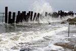 Gió mạnh, sóng lớn trên vùng biển Hoàng Sa