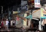 Cháy lớn thiêu rụi ba cửa hàng trên quốc lộ 50