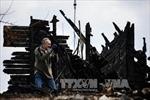 Donetsk tố quân đội Ukraine nã đạn cháy vào nhà dân
