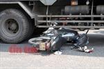 Xe máy va ô tô tải, 2 người thiệt mạng