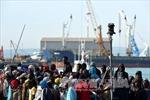 Tiếp tục cứu hàng nghìn người di cư ngoài khơi Libya