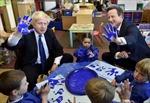 Lắm 'chiêu' lấy lòng dân của các chính đảng Anh