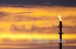 Giá dầu thị trường thế giới tiếp tục đà tăng