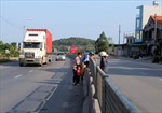 Tùy tiện tháo dỡ dải phân cách trên quốc lộ