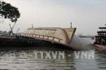 Sà lan va tàu chở đá, 3 người mất tích