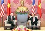 Chủ tịch Quốc hội tiếp Thượng nghị sĩ Mỹ John McCain