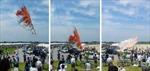 Diều khổng lồ Nhật Bản bổ nhào xuống đám đông