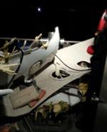 Máy bay nhào xuống đường cao tốc, 5 người thiệt mạng