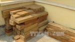 Công an Hà Nội truy bắt ô tô chở gỗ lậu