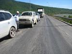 Đường hằn lún do nắng nóng  và xe quá tải