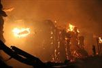 'Bà hỏa' thiêu rụi xưởng gỗ trong đêm