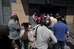 Du lịch Hy Lạp 'khó thở' vì kiểm soát vốn
