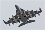 """Yak-130- """"Sát thủ tí hon"""" của không quân Nga"""