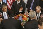 Ông Obama lạnh nhạt khi Tổng thống Putin mời rượu