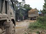 Chấn chỉnh xe tải nặng phá đường tỉnh lộ