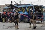 Đánh bom kinh hoàng xe buýt chở công chức Pakistan
