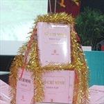 """Lần đầu tiên """"Hồ Chí Minh toàn tập"""" được dịch sang tiếng Lào"""