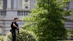 Nhà Trắng dỡ bỏ phong tỏa sau khi nghi can cầm vũ khí bị bắt