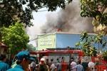Khẩn trương dập tắt vụ cháy tại 109 Trường Chinh, Hà Nội