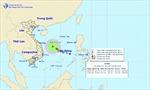 Áp thấp nhiệt đới trên Biển Đông gây mưa dông cả nước
