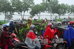 Áp thấp nhiệt đới suy yếu gây mưa dông mạnh