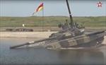 Độc đáo xe tăng ngầm dưới nước của Nga