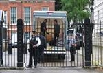 Ông Cameron mang theo những gì khi rời dinh Thủ tướng