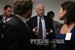 TNS McCain giục Việt Nam theo Philippines thách thức Trung Quốc