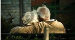 """""""Yêu"""" ở tuổi già nguy hiểm với đàn ông, nhưng có ích cho phụ nữ"""