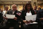 Hàng chục ngàn người sẽ được nhập quốc tịch Mỹ trong tuần này