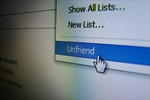 """Bạn bè """"trở mặt"""" với nhau trên mạng xã hội vì bầu cử Mỹ"""