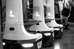 """Đội quân robot công nhân tham gia """"cách mạng bán hàng"""""""