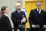 Na Uy y án biệt giam tên giết người hàng loạt Breivik