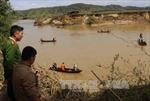 Tìm thấy thi thể 2 nạn nhân bị lật ghe trên sông Trường Giang