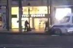 Video nghi phạm trốn chạy sau khi bắn cảnh sát ở Paris