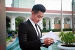 MC Nguyên Khang đặt trang phục ngàn đô cho 'Cống hiến'