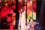 Thần tượng Bolero: 'Tình yêu trả lại trăng sao' đưa Cao Hoàng Oanh đi tiếp