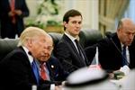 Tổng thống Donald Trump về nước, đối mặt cuộc điều tra nhằm vào con rể